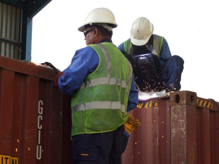 npr43_container repair1